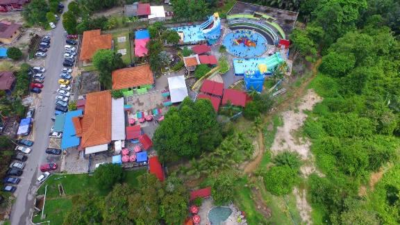 kolam air panas jasin melaka theme park pandangan atas