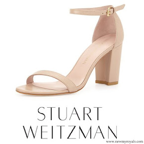 Kate Middleton wore Stuart Weitzman Nearlynude Leather City Sandal