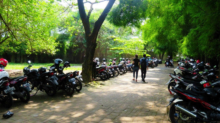Area Parkir Taman Balekambang