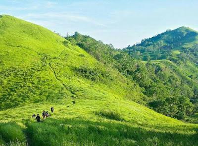 lokasi tempat wisata yang yangi hits yaitu Wisata Bukit Birah
