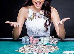 Gunakan Situs Terpercaya Semuaduit.com Untuk Melakukan Taruhan Poker Online