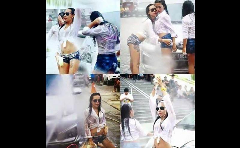 Aksi wanita seksi di car wash dance di Mataram, NTB