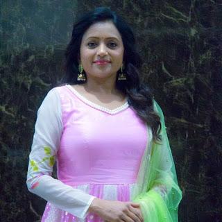TV Anchor Suma Kanakala Rare Unseen Photos
