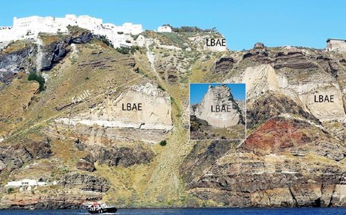 Jurnal Geologi Perubahan Stratigrafi Gunungapi Santroni Yunani