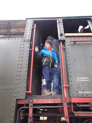 Pociąg Wolności święto Niepodległości, pociąg retro, rekonstrukcje historyczne, wojskowa grochówka