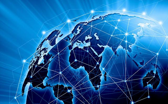 Duas Organizações Não-governamentais (Ongs) de direitos digitais estão processando o governo da República dos Camarões por impor a suspensão do serviço de internet nas duas regiões anglófonas do país por mais de três meses, em 2017, pouco antes de ambas as regiões terem sinalizado fazer uma declaração simbólica de independência. Além de ter imposto o bloqueio da internet por longo período (bem como bloqueios curtos de plataformas como Facebook e WhatsApp), o governo mobilizou as forças de segurança que entraram em confrontos violentos com ativistas anglófonos.