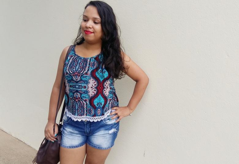 Look da Pah: blusa com renda de guipir e shorts jeans