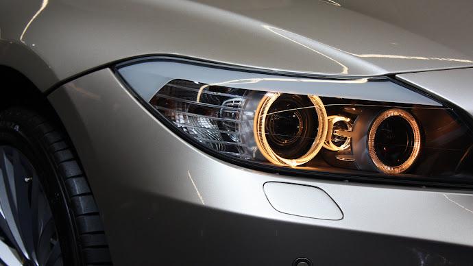 Wallpaper: BMW Headlights
