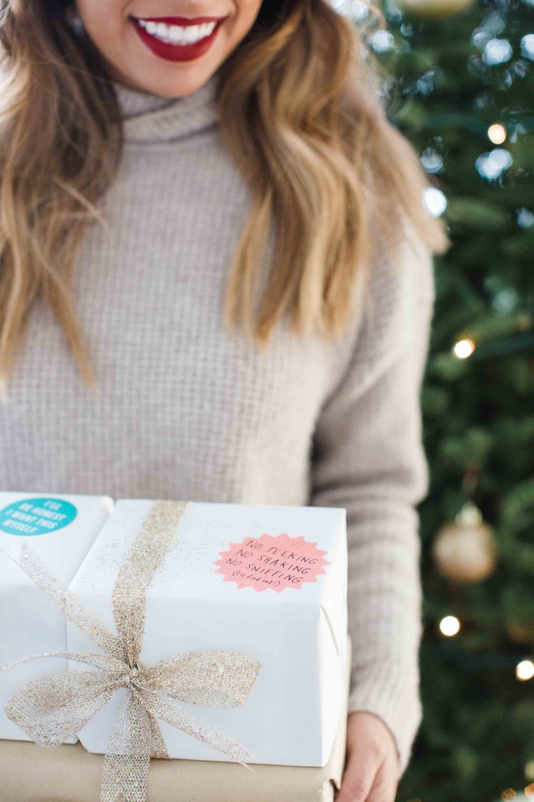last minute gift ideas, amazon echo, airbnb gift card, creative gift cards