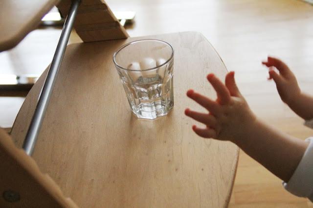 Eltern vom Mars: Ab-so-lut selbstständig trinken?