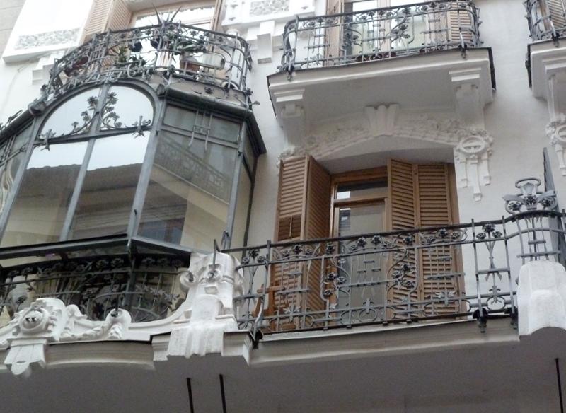 Caminando por madrid modernismo en la calle infantas for Calle prado 8 madrid