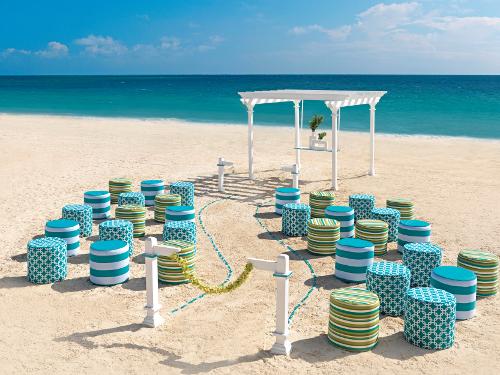Your Beach Wedding Ceremony: Destination Gay Weddings: Your Dream Beach Wedding