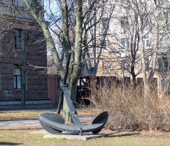 Николаев. Якорь на Флотском бульваре
