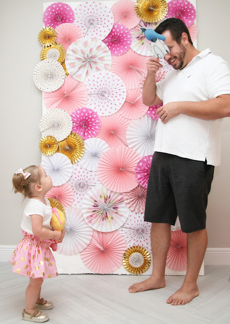 DIY: How to Make a Photo Booth Backdrop by popular party blogger Celebration Stylist
