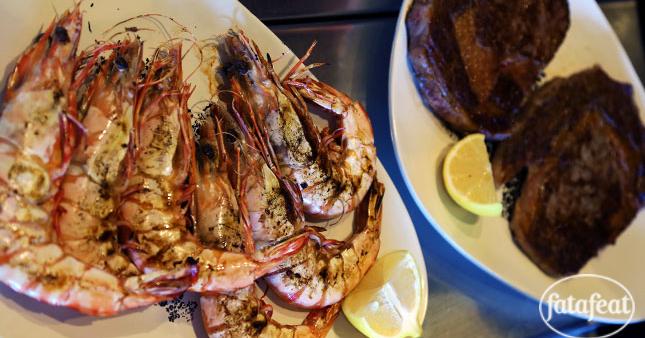 طبق اللحم والمأكولات البحرية الأسترالي الأشهى