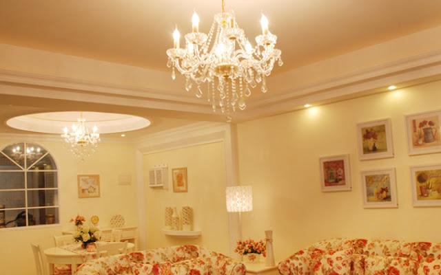 Hướng dẫn cách lựa chọn đèn chùm pha lê phòng khách đẹp và hút mắt