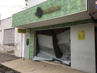 Loja de cosméticos é arrombada e dois carros são roubados na ação em Campina Grande