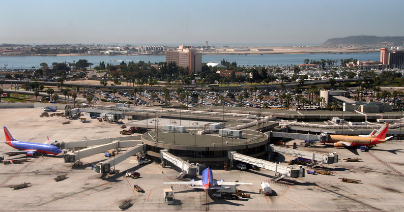 San Diego International Airport - Wikipedia