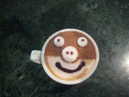 رغوة فنية ثلاثية الأبعاد لفنجان القهوة
