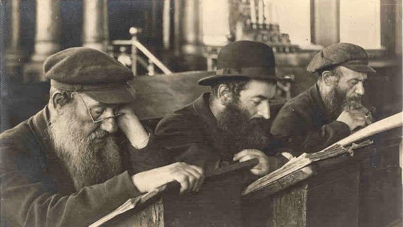 Hace siglos que todos los judíos conocen y estudian el Talmud. Un libro que ser perseguido por la Iglesia Cristiana y denominado por ella 'el pérfido Talmud'.