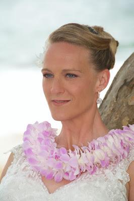 kauai wedding hair makeup natural look beach wedding