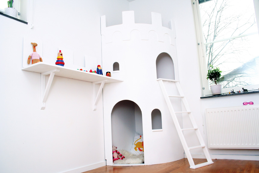A castle for your kids room for Castle kids room