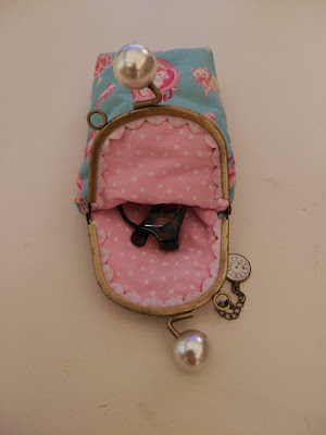 funda gafas, alice wonderland, eyeglasses case, etui a lunettes, costura, couture, sewing, boquilla, clasp