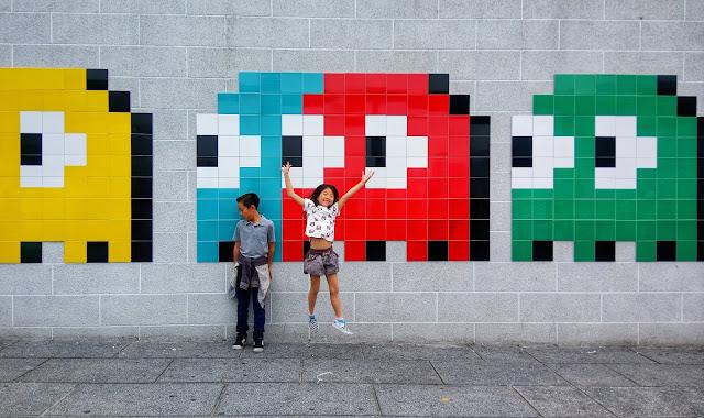 invader mosaics in hong kong