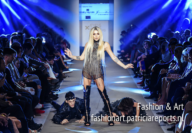 Josephine Wendel sings during Kathy Heyndels Fashion Show at Athens Exclusive Designers Week