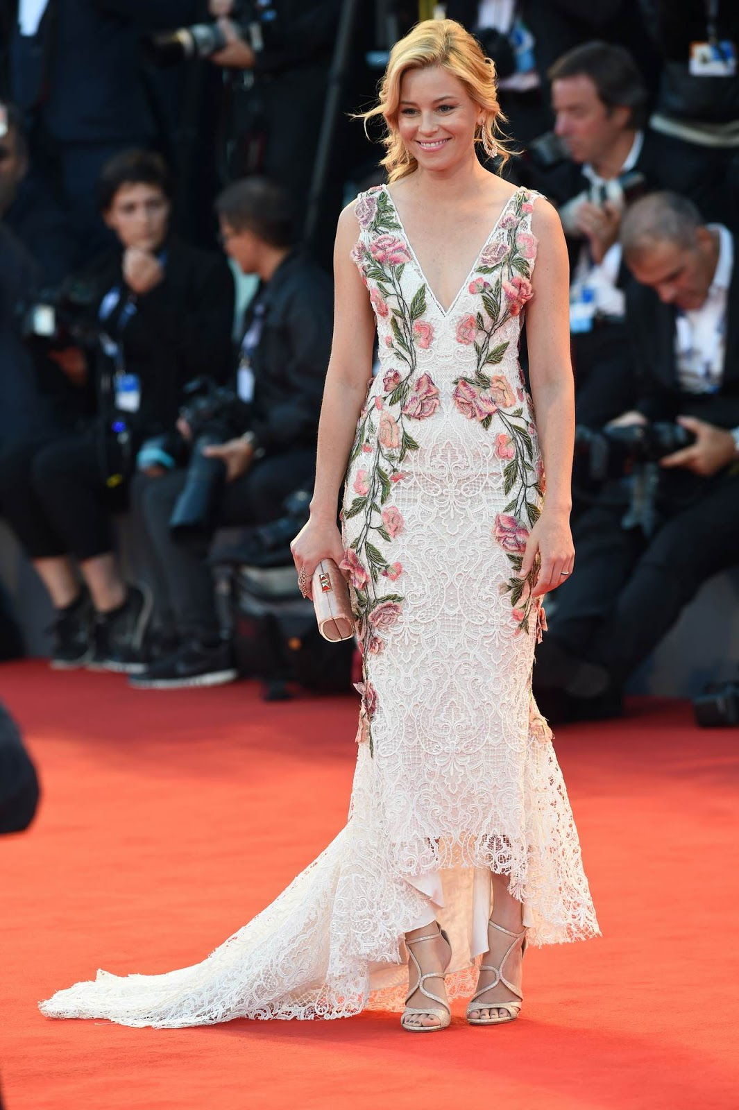 Elizabeth Banks dazzles in lace gown at the premiere of 'A Biger Splash' at the Venice Film Festival