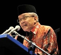3 Puisi Terbaik Taufik Ismail Tentang Indonesia