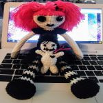 http://12squaredcreations.blogspot.com.es/2017/05/goth-doll-with-voodoo-baby.html