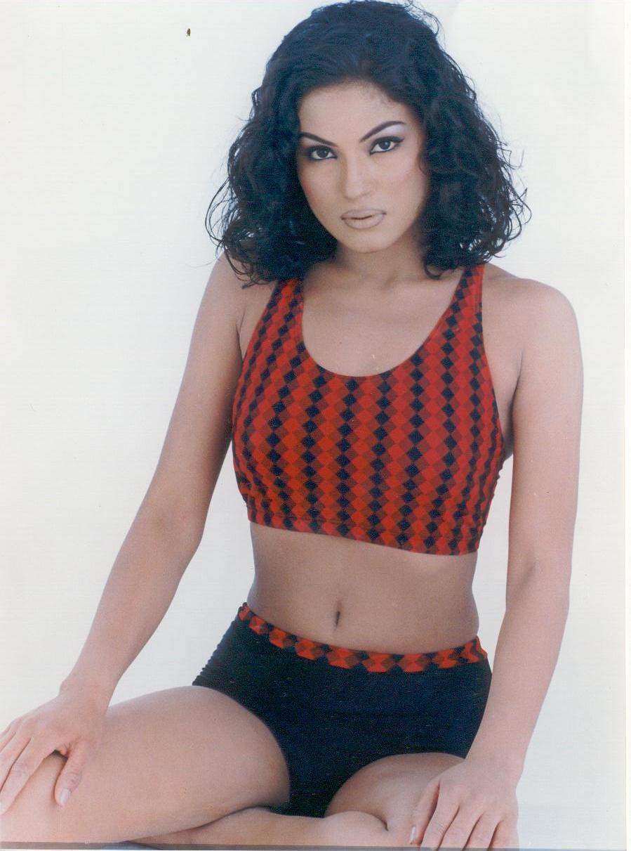 Pakistani Actress Veena Malik Hot Photos Free Download -2699