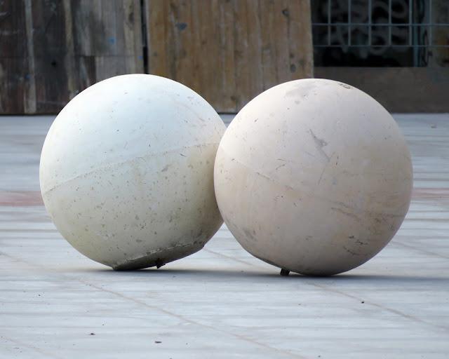 Two balls, Piazza Attias, Livorno