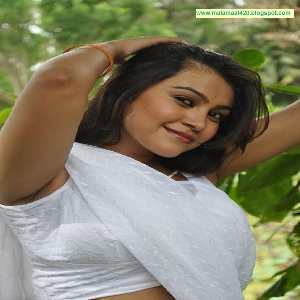 Mallu Aunty Sathya Sai Hot White Saree Navel Hot & Sexy