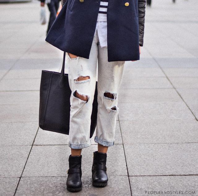 Marija Perić, how to wear distressed boyfriend jeans in winter - pea coat and biker boots, kako nositi podrapane trpaperice zimi, street fashion Zagreb, ulična moda i lijepe, stajliš cure iz Zagreba, peopleandstyles.com