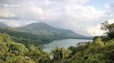 Danau Kembar Tamblingan, Belajar Memuliakan Air dan Hutan
