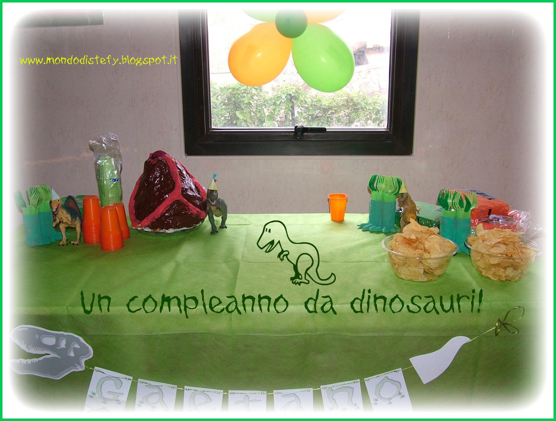 Decorazioni Da Tavolo Per Compleanno : Il mondo di stefy e cri un compleanno da dinosauri decoriamo