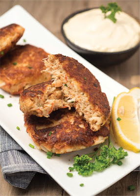 Low Carb Crab Cakes with Sauce Recipe