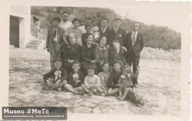 Piazzale Monterosso: Basile, Triassi, Vella, Corrier, Capizzi. Anno 1937