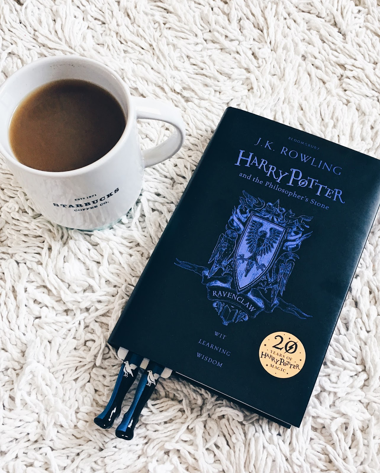 Harry Potter É A Pedra Filosofal within bobby pins: livros    harry potter e a pedra filosofal - edição