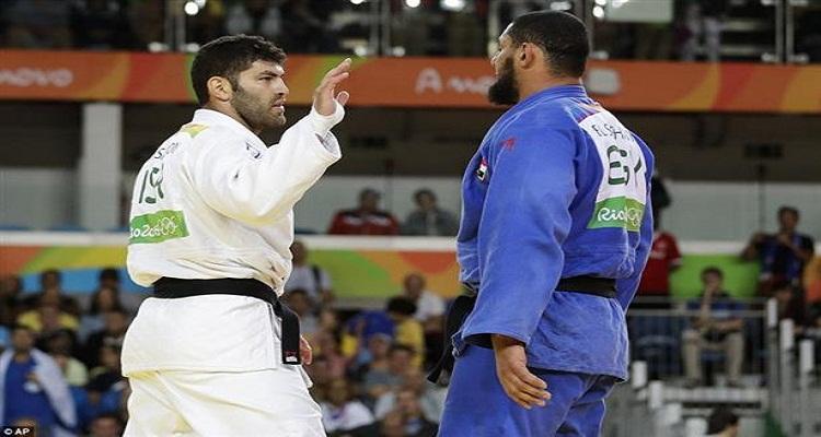 عقوبة صادمة لإسلام الشهابي  بعد رفض مصافحة لاعب إسرائيل