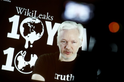 Privan de acceso a Internet a Julian Assange en Londres