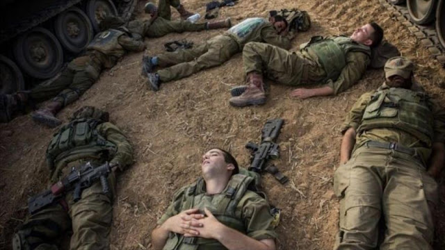 Dos palestinos roban armas de soldados israelíes mientras dormían