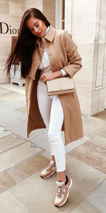 27+ Simple Winter Outfits To Make Getting Dressed Easy. winter outfit style winter fashion ideas winter fashion casual clothing winter casual winter #fashionable #fashionblogger #fashiondesign #fashionblog