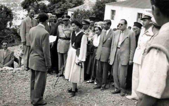 Φιλιάτες 1955: «Επί των ίππων Μεγαλειοτάτη…»