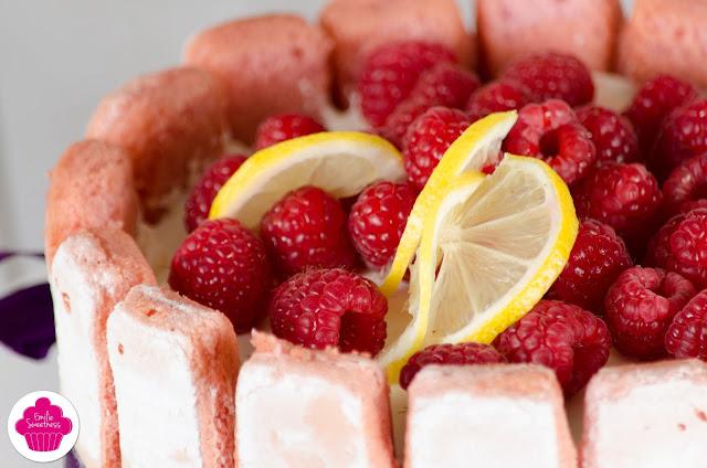 Bavarois framboises, citron et biscuits rose de Reims