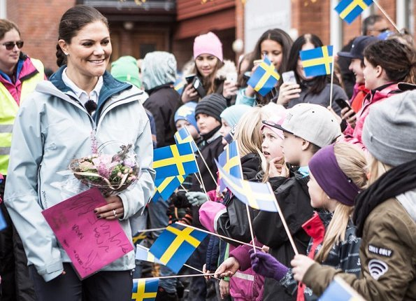 Princess Victoria started the second mountain hiking of 2017 in Norsjö, Vasterbotten natural preserve Skelleftea