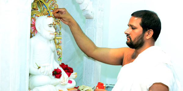 त्रि दिवसीय महावीर स्मारक बाग प्रतिमा प्रतिष्ठा समारोह में बह रही भक्ति की गंगा