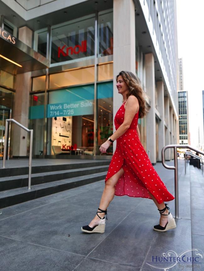 hunterchic by marta-marta halcón de villavicencio-influencer española- fashion blog-como combinar un vestido de lunares